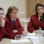 Помощь гражданам по вопросам защиты прав и интересов несовершеннолетних
